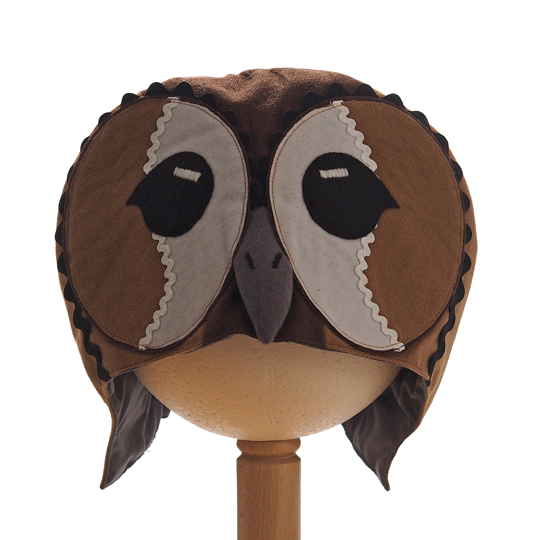 Tawny Owl Hood. Front view.